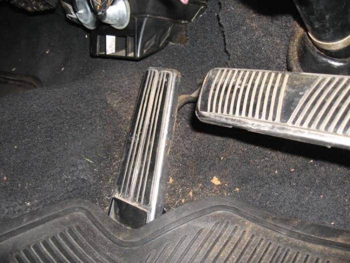 Провал при резком нажатии на педаль газа ваз 2109 карбюратор