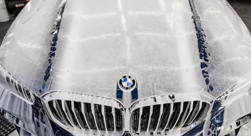 Мойка автомобиля BMW