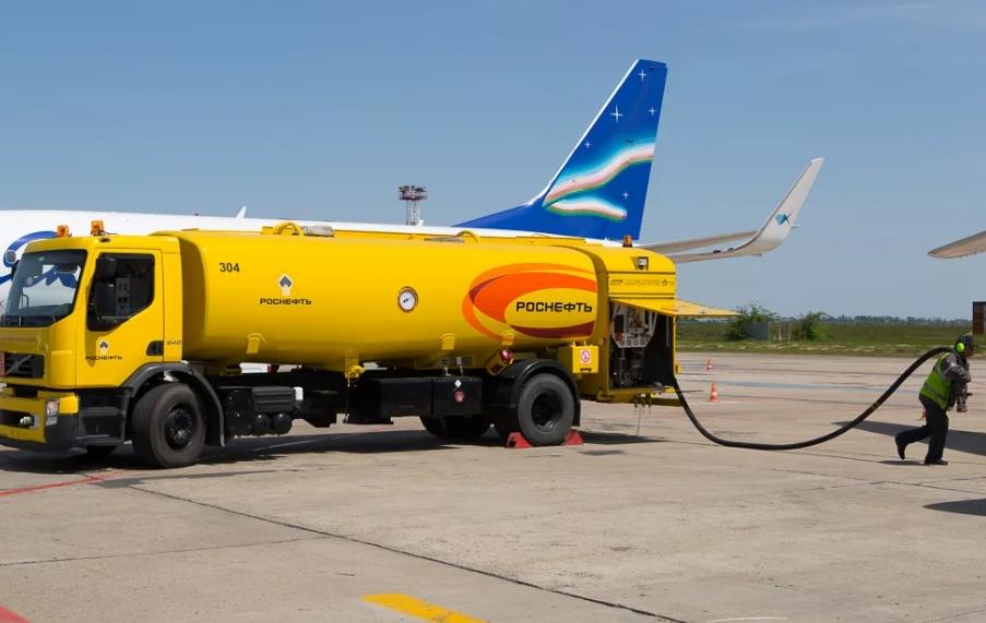 Аэродромные топливозаправщики ГрАЗ – спецтехника для обслуживания аэродромов и аэропортов